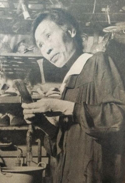 黒田チカ:女性として初めて帝国大学に入学し、化学者として多大な業績を上げた。