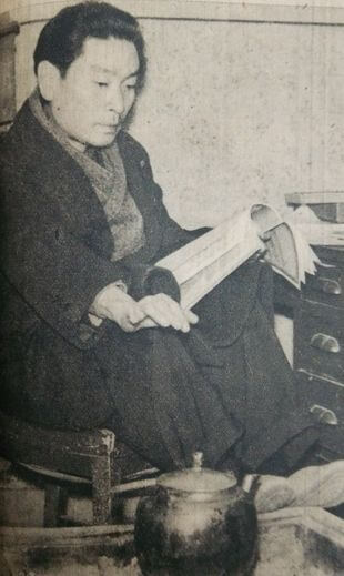 万城目正:「リンゴの唄」などさまざまなヒット曲を作り出した。