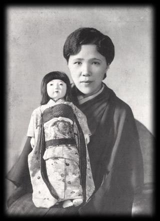 中村久子:両手両足を失うも、自立した生活を送った。