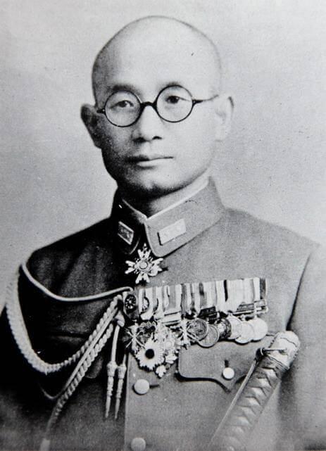 辻政信:参謀として無謀な指導を行い多くの人を死に至らしめた。